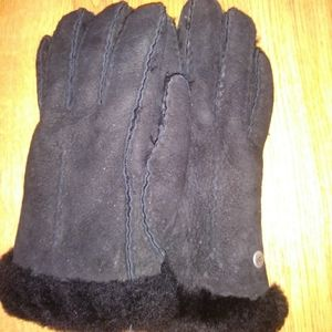 Women's Ugg Black Gloves sz Small